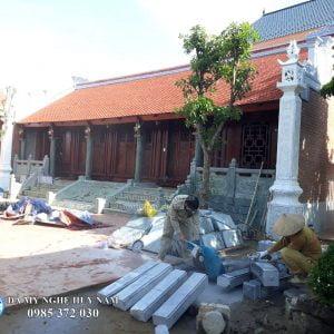 Lan can đá, Bịt bậc đá, cột hiên bằng đá, chiếu rồng đá, Cột đá tròn đá xanh rêu cột hiên nhà thờ họ tại Thanh Hóa