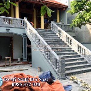 Làm lan can đá cầu thang cho nhà thờ họ